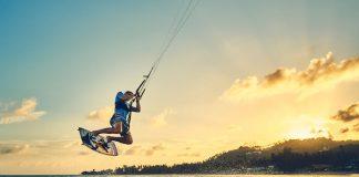 Kitesurfen ist ein spannendes und gefährliches Hobby. Mehr Hintergruende.